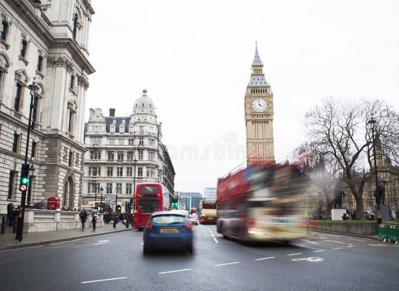 Handeln Sie in zentraler London-Stadt, langes Belichtungsfoto stockfotos
