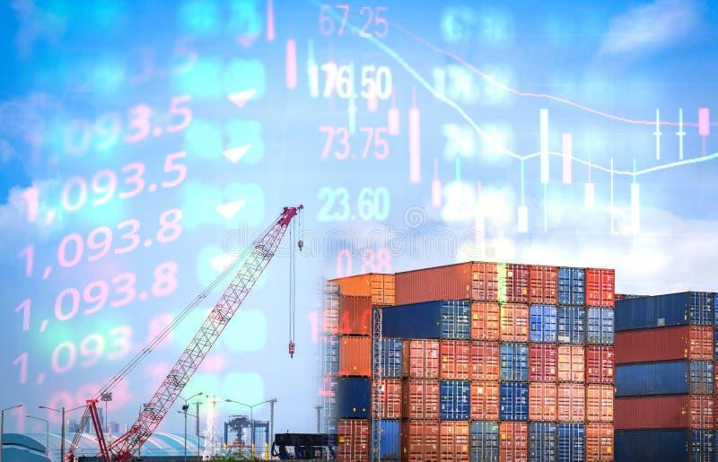 Handelslogistiek voor de export van kraanschepen en containerschepen in de havensector - Crisiskoersverlies op de beurs in de wer stock foto