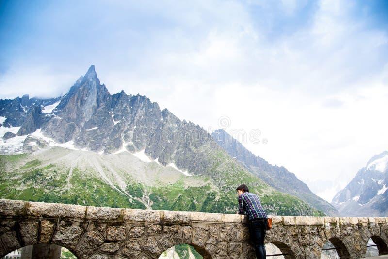 Handelsresande på Mer de Glace Mont Blanc royaltyfri foto