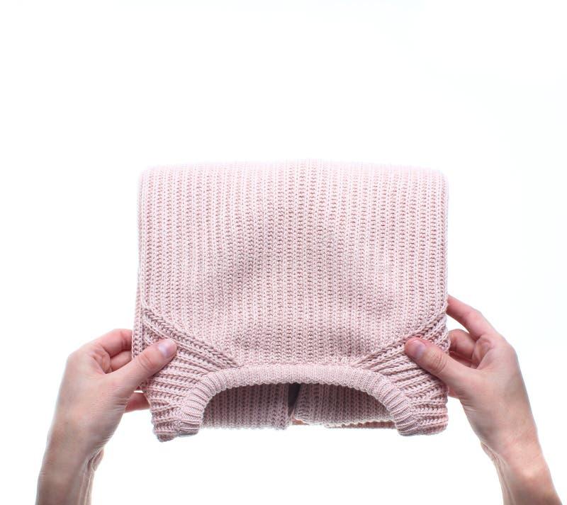 Handen die sweater vouwen royalty-vrije stock foto's