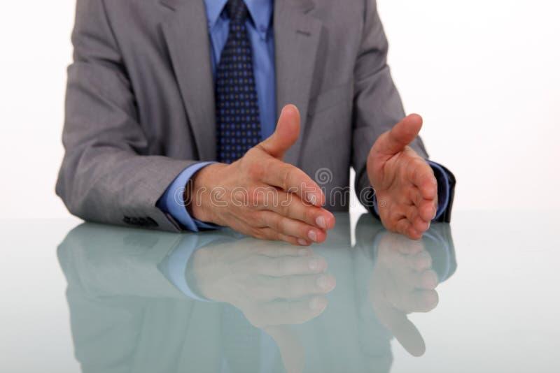Handen die terwijl het spreken gesturing royalty-vrije stock afbeeldingen