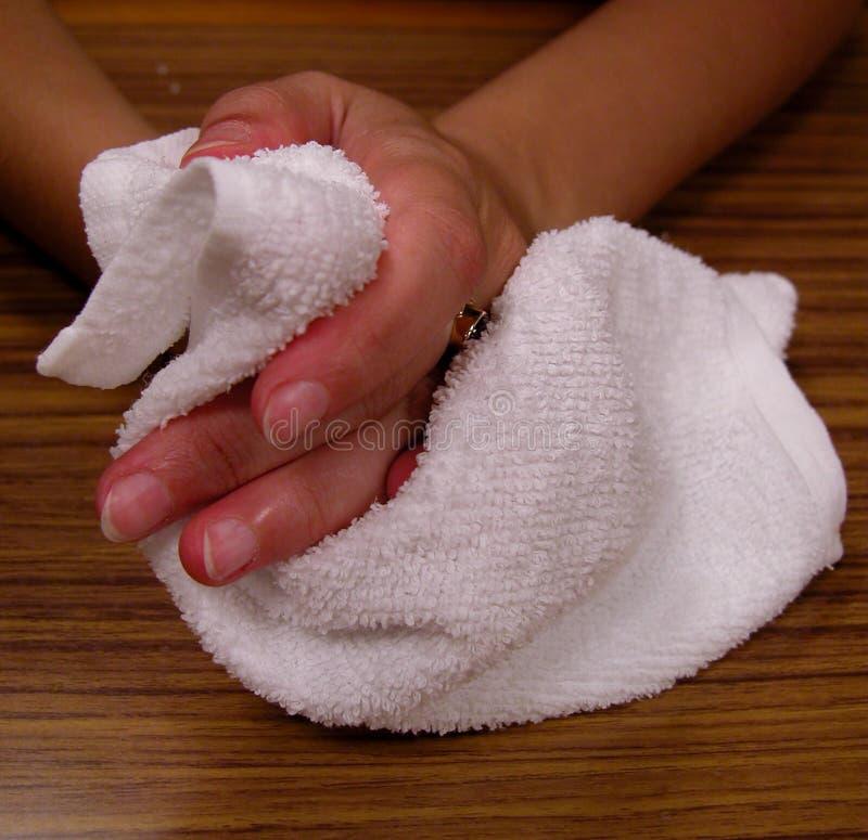 Handen en handdoek