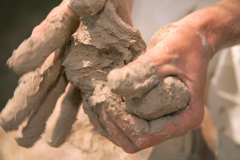 Handen van de pottenbakker royalty-vrije stock fotografie