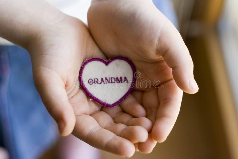 Download Handförälskelse arkivfoto. Bild av hand, pensionär, händer - 523654