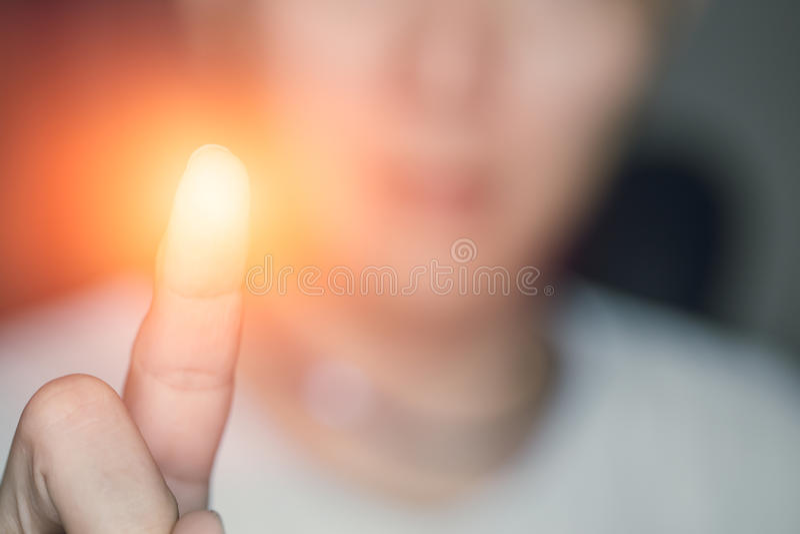 Handfingernote, Energie des Fingerabdruckes lizenzfreie stockfotografie