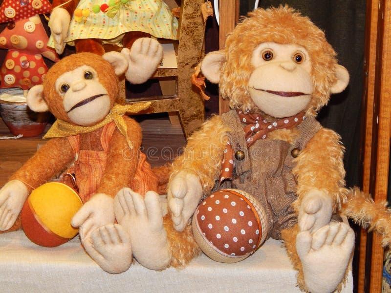 Handgemachte sammelbare Spielzeugaffen lizenzfreie stockfotografie