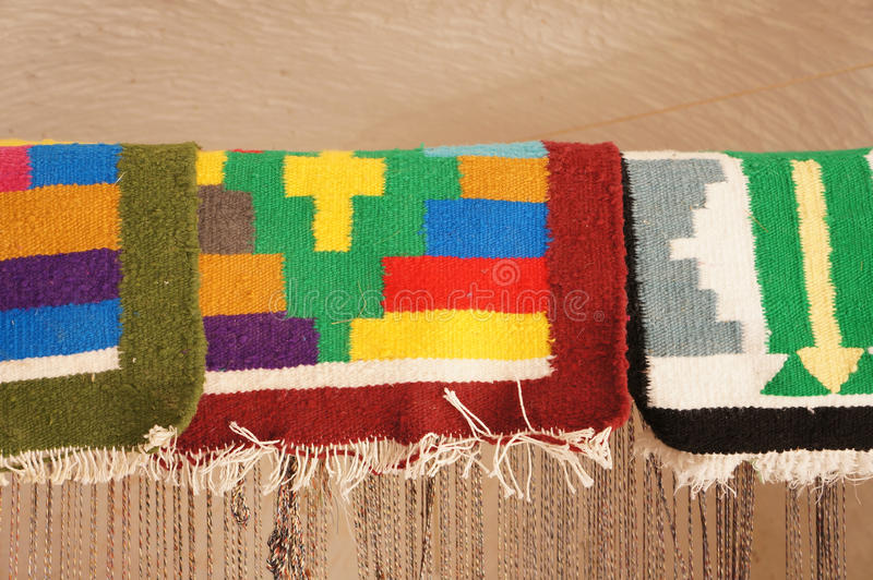 Handgemachte tunesische bunte Teppiche lizenzfreies stockbild