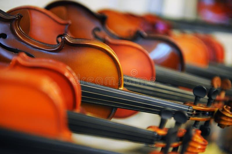 Handgemachte Violinen lizenzfreie stockbilder