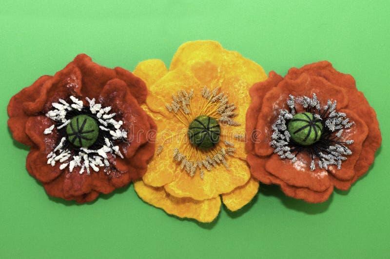 Handgemachter Filz, Blumen lizenzfreie stockfotos