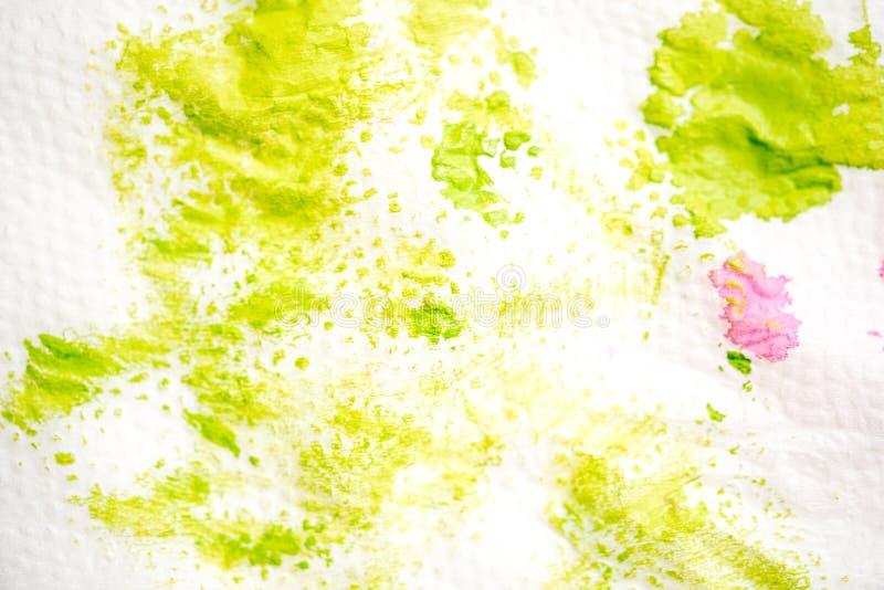 Handgemalter Hintergrund des abstrakten Aquarells Grüner Fleck der Farbe auf einer weißen Serviette stockbilder