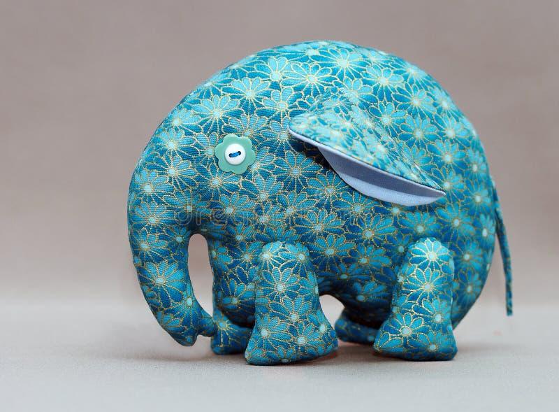 handgjord blå elefant royaltyfria foton