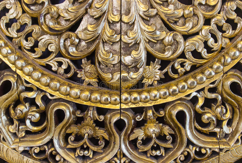 Handgjord guld- skulpturkonst royaltyfri foto