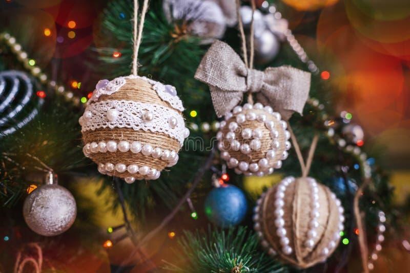 Handgjord jul tvinnar leksaken arkivbilder