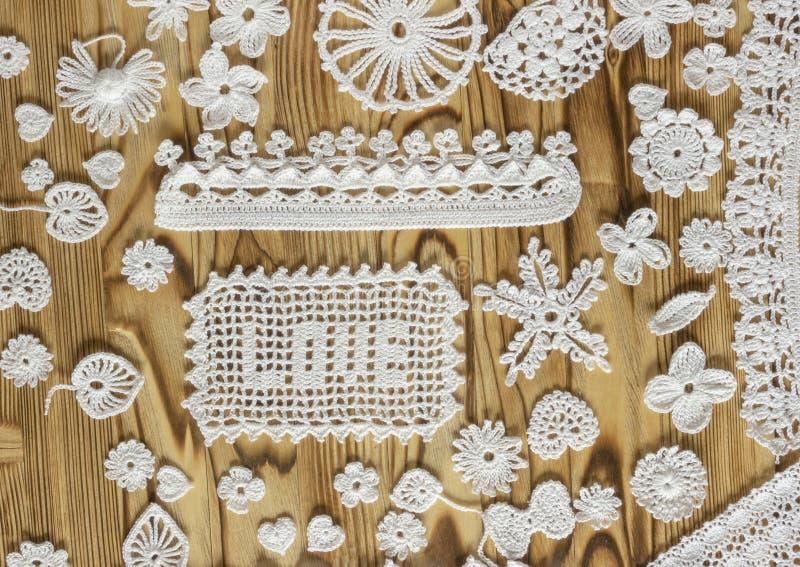 Handgjord vit virkningrammodell, handarbete, sömnad Jul jultid, valentin dag TextFÖRÄLSKELSE fotografering för bildbyråer
