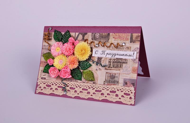 Handgjort hälsningkort med buketten av blommor royaltyfria foton