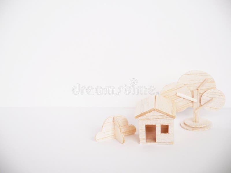 Handgjort minsta för miniatyrträbitande konstverkhantverk för modell royaltyfria foton
