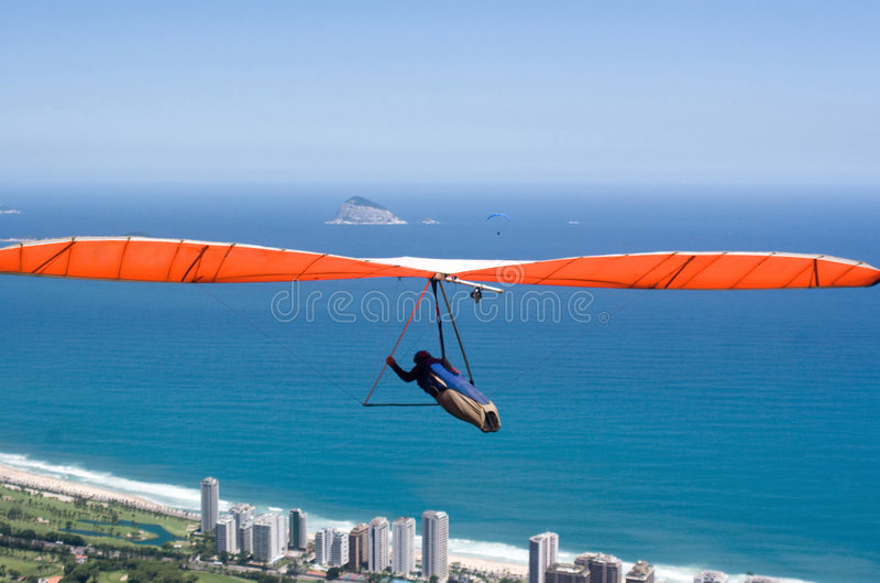 Handglider sopra Rio de Janeiro fotografie stock