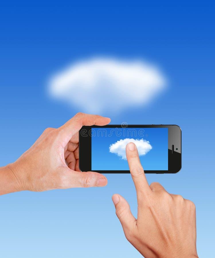 Handgreep en Aanraking op Mobiel Wolk gegevensverwerkingsnetwerk stock afbeeldingen