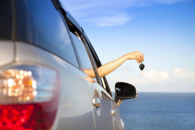 Handholding-Autotaste lizenzfreies stockbild