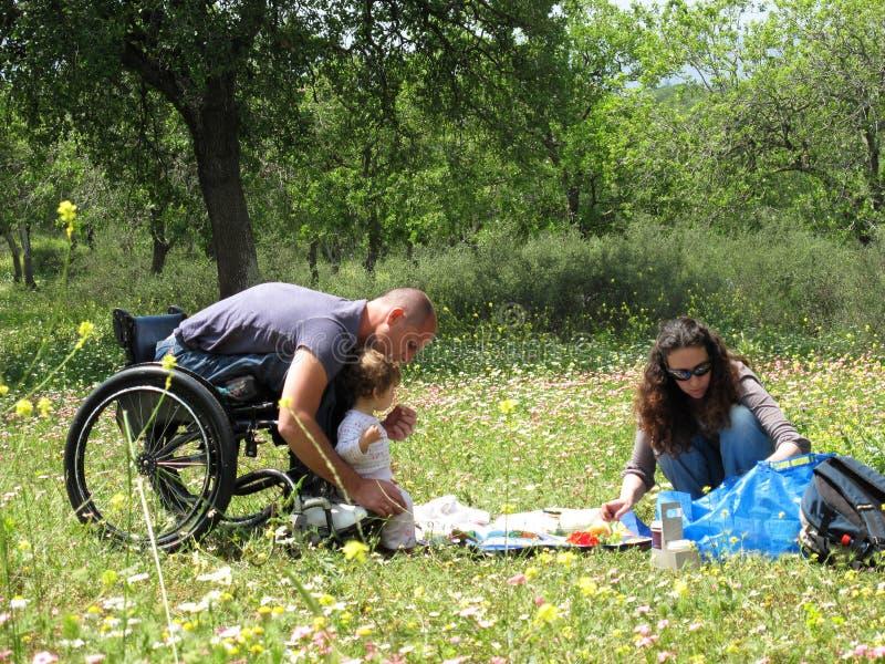 handikapp farsafamilj royaltyfria bilder
