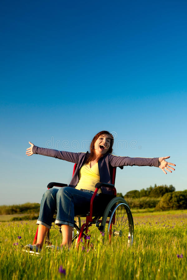 handikappad rullstolkvinna royaltyfri fotografi