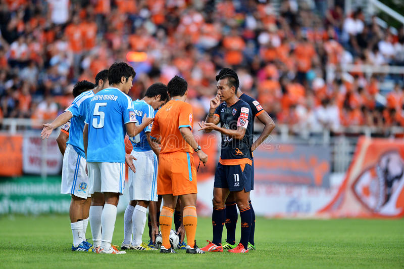 Handling I Thailändsk Premier League Redaktionell Arkivfoto