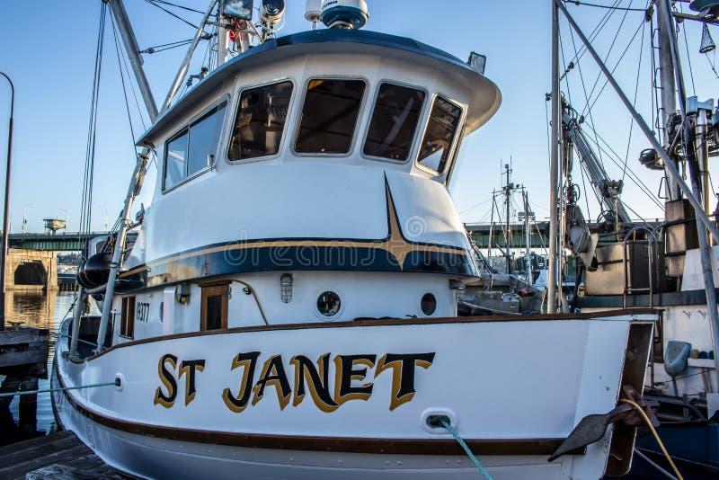 Handlowa łódź rybacka dokował przy rybaka ` s Terminal w Seattle Waszyngton obrazy stock