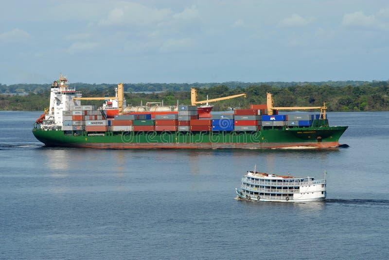 Handlowy statek i regionalności naczynie zdjęcia royalty free
