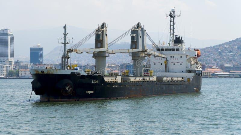 Handlowy statek na morzu fotografia royalty free