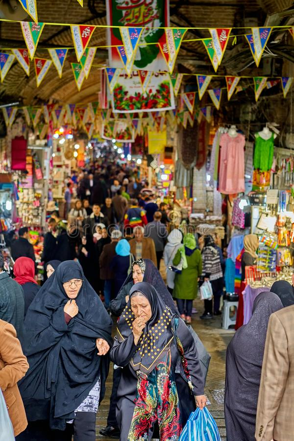 Handlujący na Uroczystym bazarze w Islamskiej republice Iran, Teheran zdjęcia royalty free