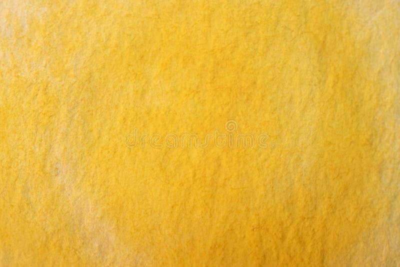 Handmålad gul vattenfärgsbakgrund royaltyfri bild