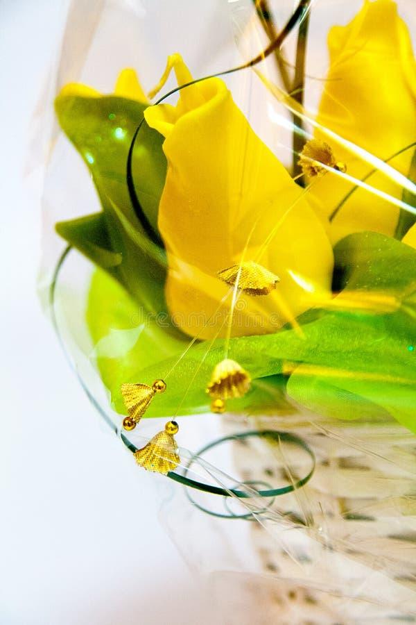 Handmade świeczka w postaci bukieta tulipanowi kwiaty obraz royalty free