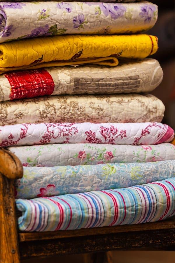 Handmade куча одеял стоковые изображения