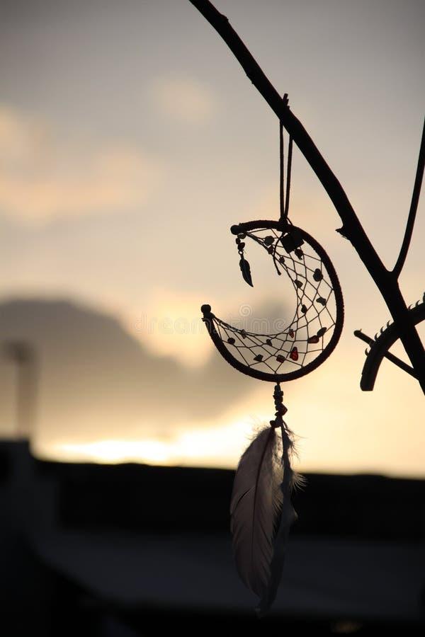 Handmade мечт смертная казнь через повешение улавливателя на деревянном стоковая фотография rf