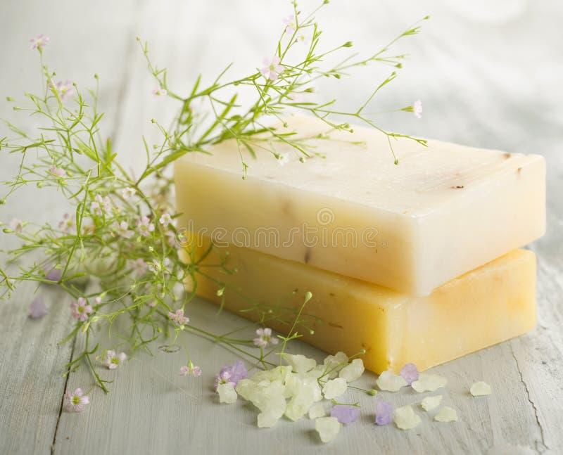 Download Handmade мыло стоковое фото. изображение насчитывающей чисто - 14713964