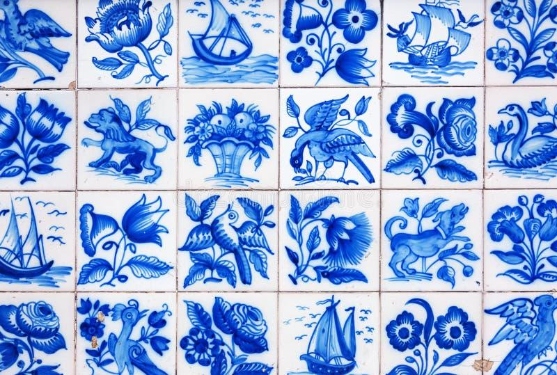 Download Handmade традиционная португальская плитка (azulejos), Лиссабон, Португалия Стоковое Изображение - изображение насчитывающей декоративно, исламско: 37925095
