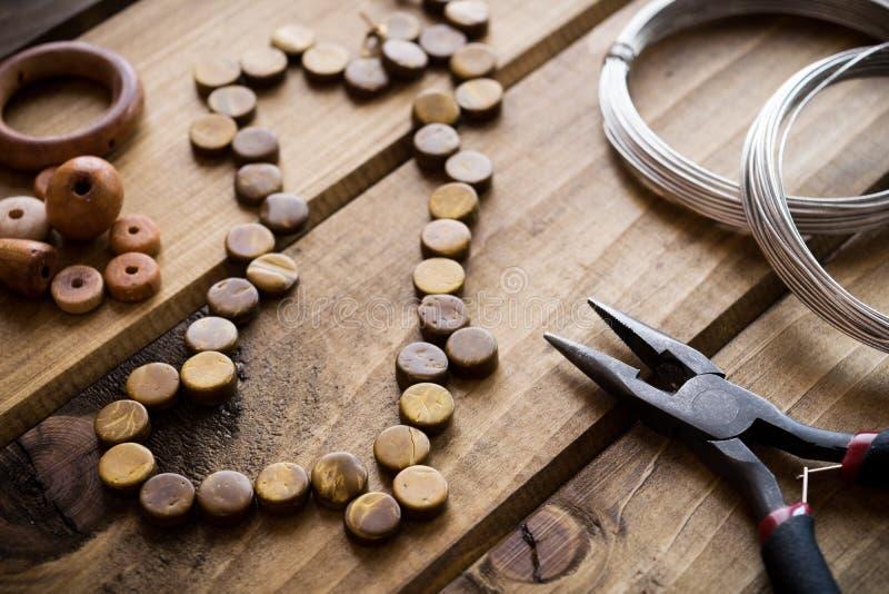 Handmade ювелирные изделия, поставки ювелирных изделий стоковая фотография rf