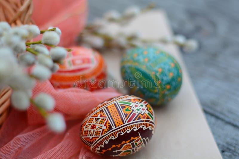 Handmade, brown, Wielkanocny jajko na papierze, zdjęcia stock