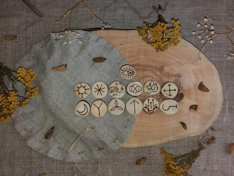 Handmade czarownic runes obraz stock