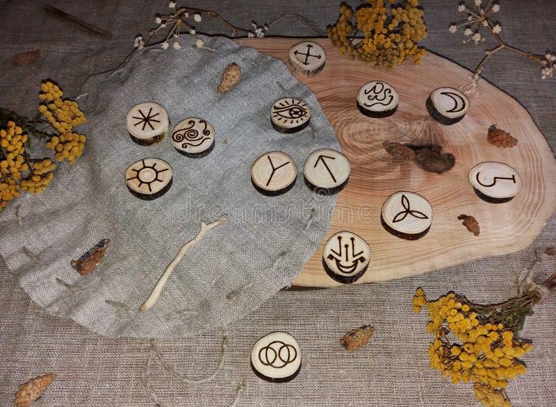 Handmade czarownic runes zdjęcie stock