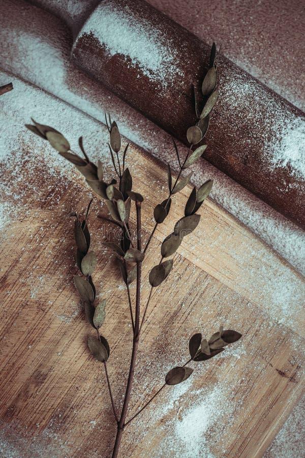 Handmade domowej roboty bagel ?wiezi ciasta z cukierem obrazy royalty free