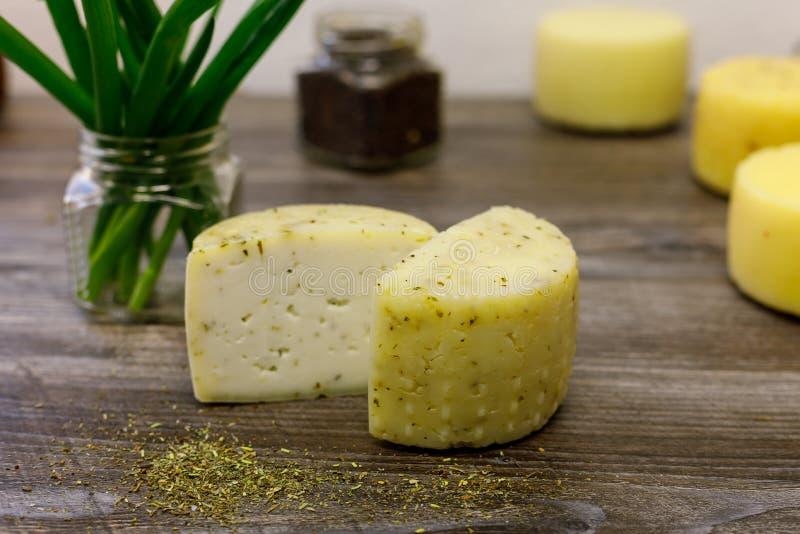 Handmade koźli ser warzący na gospodarstwie rolnym obraz stock
