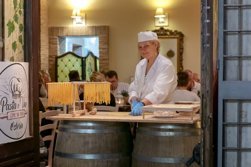 Handmade makaron w tradycyjnym sposobie obrazy royalty free