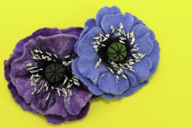 Handmade odczuwany, kwiaty obrazy stock
