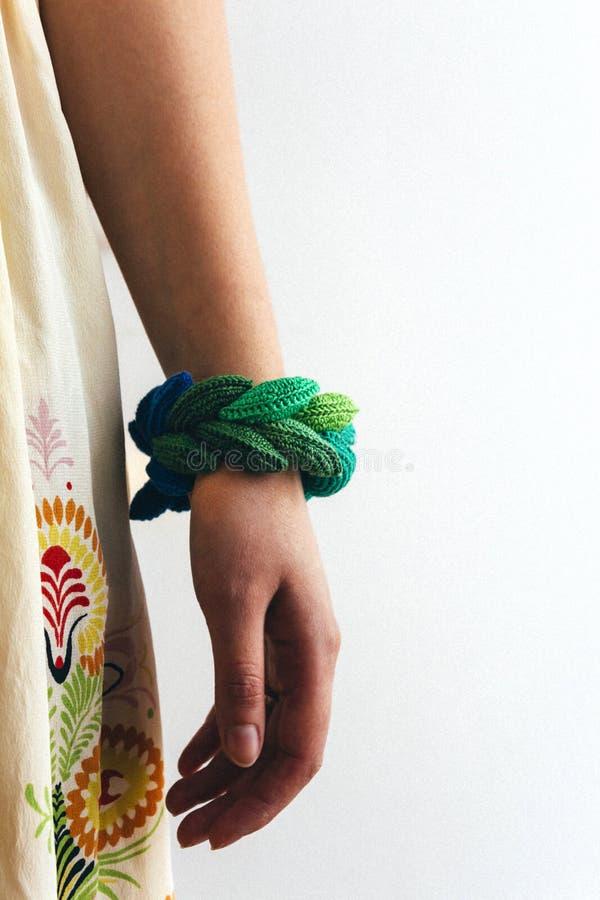Handmade szydełkowa bransoletka obrazy royalty free