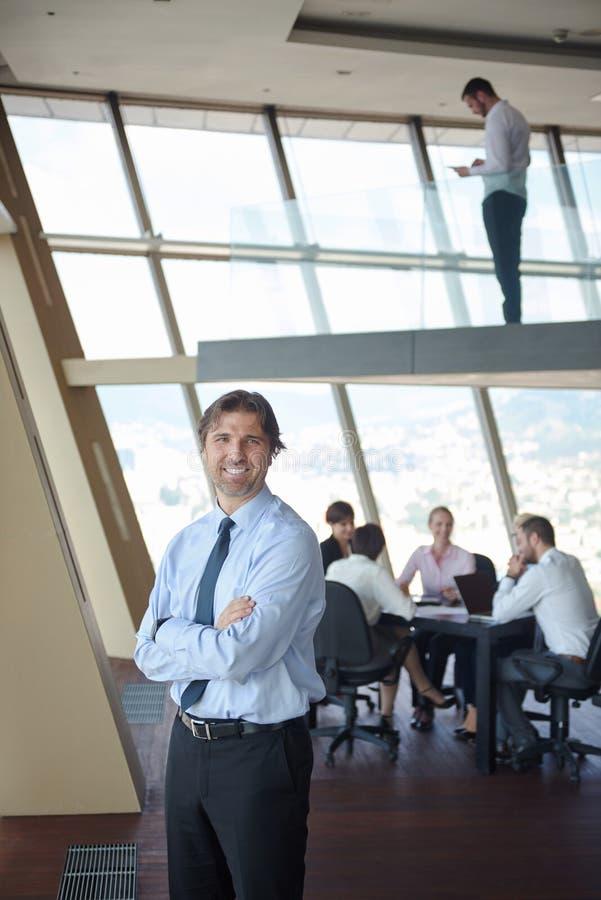 Download Handosme商人画象 库存图片. 图片 包括有 办公室, 会议, 执行委员, 成功, 商业, 概念, 英俊 - 62526315
