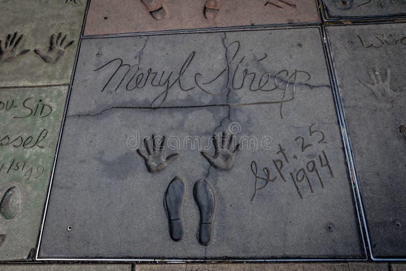 Handprints de Meryl Streep dans Hollywood Boulevard devant le théâtre chinois - Los Angeles la Californie, Etats-Unis image libre de droits