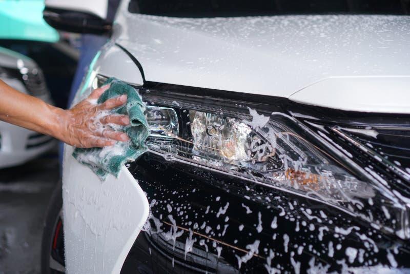 Handreinigungsautoscheinwerfer 5 lizenzfreie stockfotografie