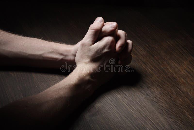 hands att be för bild royaltyfri foto