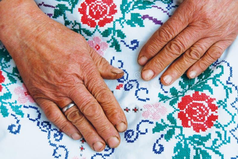 hands gammala kvinnor royaltyfri bild